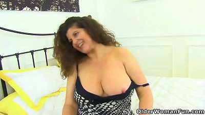 British milf Jane lets you have a good view of her fuck hole